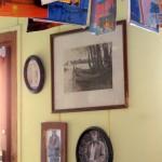 Dekorieren und Bilder aufhängen