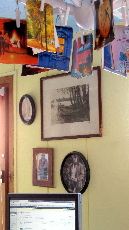]Dekorieren und Bilder aufhängen