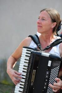 Steffi Zachmeier, Musikerin, Moderatorin und Mundartdicherin (Bildquelle: S. Zachmeier)