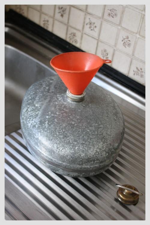 In Petras Familie werden bis heute verzinkte Wärmflaschen verwendet.