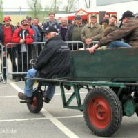 Georg Braun mit seinem Ponny aus dem Hause Platten & Söhne bei der Maschinenvorstellung