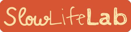 Typografisches Logo mit drei Schriften