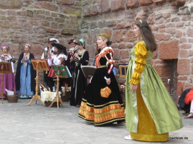Tänzer und Musiker des Historischen Tanzkreis Bensheim auf dem Renaissance-Fest