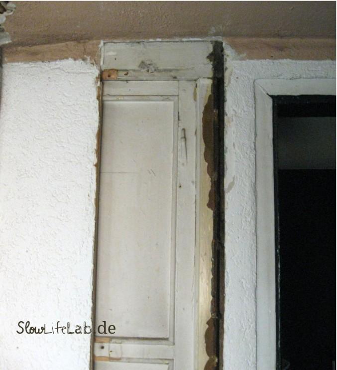 Fensterrahmen hinter der Trockenbauwand