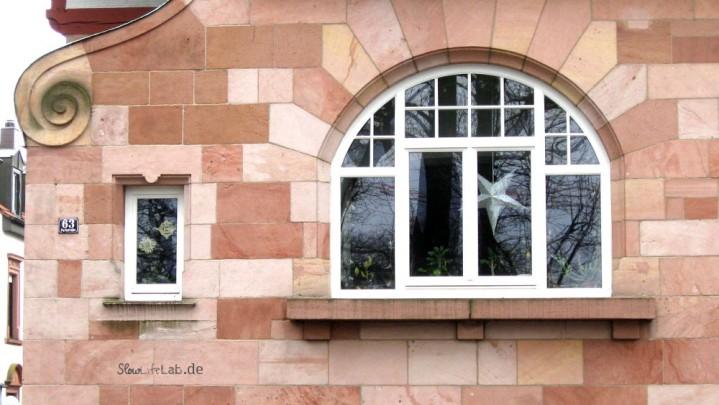 Bogenfenster in der Parkstraße, aufgenommen im Dezember 2009